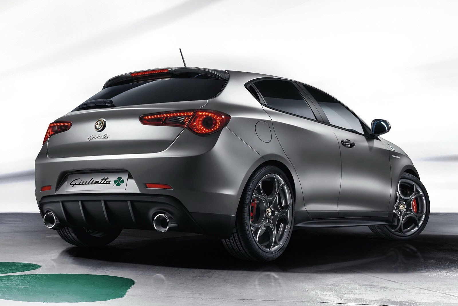 alfa romeo actualiza el mito y giulietta quadrifoglio verde auto blog. Black Bedroom Furniture Sets. Home Design Ideas