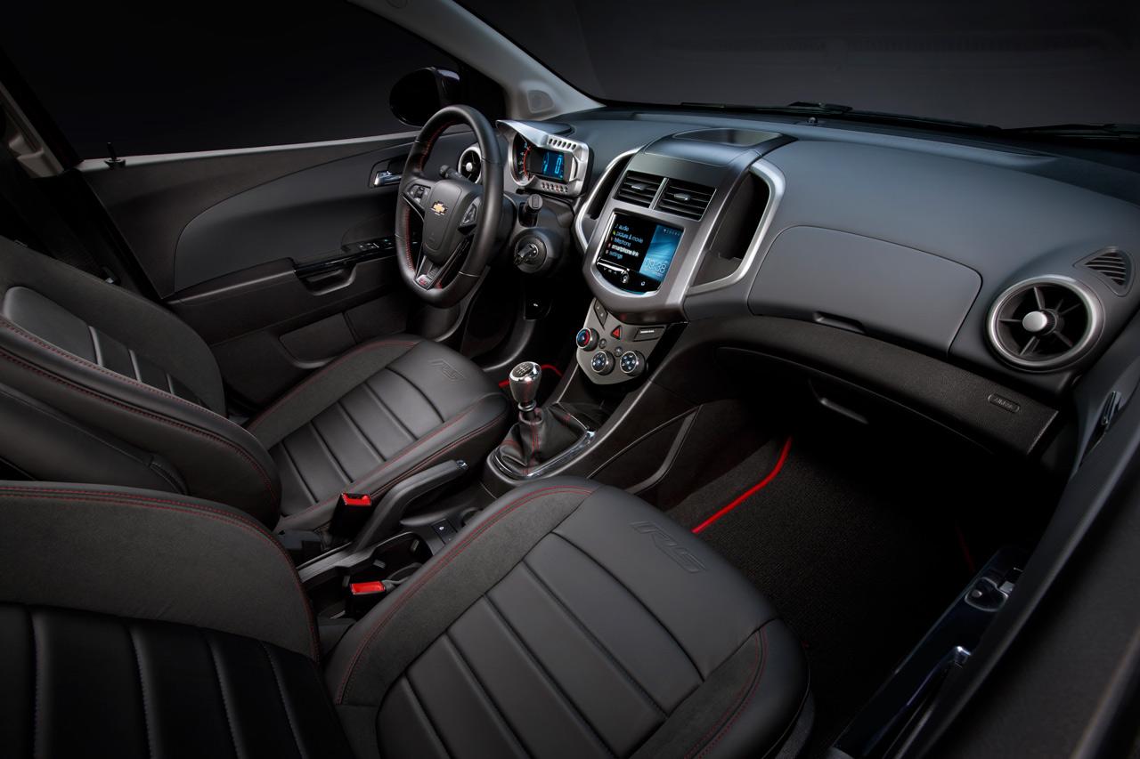 Chevrolet Sonic RS - el pequeño hatchback turbo llega a ...