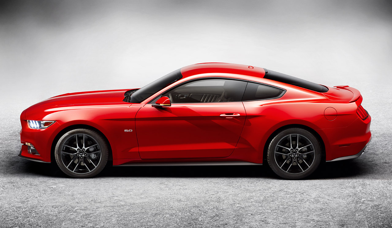 2015 Ford Mustang revealed officially.
