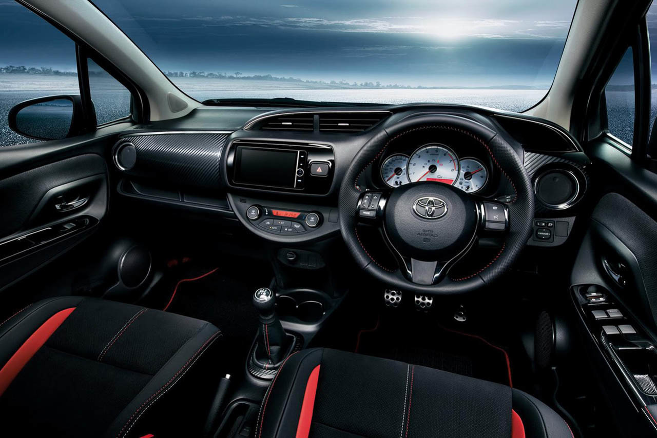Toyota vitz 2015 interior 2017 2018 best cars reviews for Interieur yaris 2015